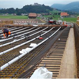 Pont sur la Trême, route cantonale Broc-Epagny, vue des huit câbles de précontrainte de 200 to