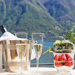 champagne, aperitivo sul lago, terrazza panoramica, vista lago, best view, terrace, Terrasse