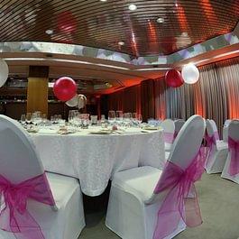 12 salles de banqutes modulables, capacité jusqu'a 260 personnes