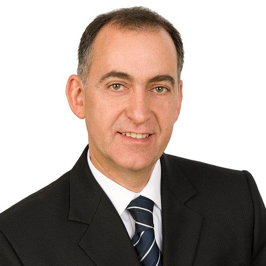 Hallo, mein Name ist Emil Salathé - Kennen Sie jemanden, der eine Immobilie zu verkaufen hat? Ich freue mich auf Ihre Empfehlung!