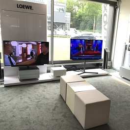 Loewe und Panasonic TV-Geräte