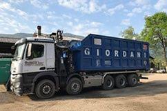 Camion 5 assi per trasporto cippato e scarti di lavorazione