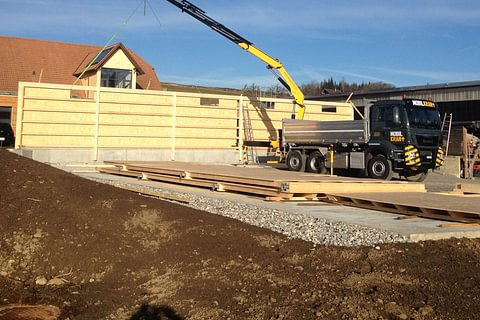 Holzbauten aufrichten