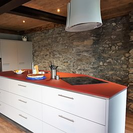 cuisine à la forme adaptée à votre espace chez Cuisines et Bains Caloz
