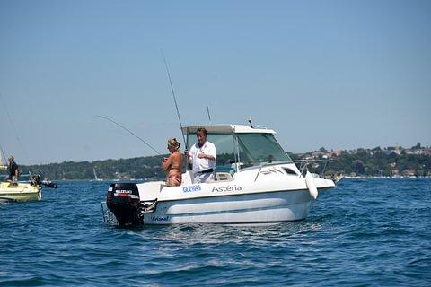 Cours de bateau moteur