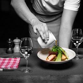 Poulpe à la plancha, navets glacés au soja pack-choï, bouillon dashi