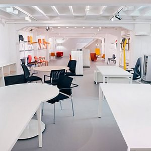 Lista Office Vente SA,