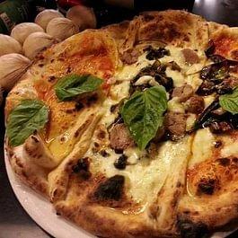 Pizza napoletana - La Tavernetta Agno