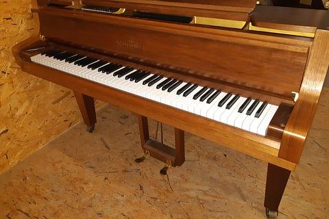 Piano droit Kawai K200 noir + Piano à queue Schimmel + Pianos numériques