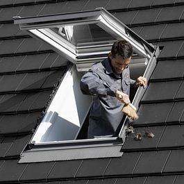 Entretien de fenêtres de toit VELUX