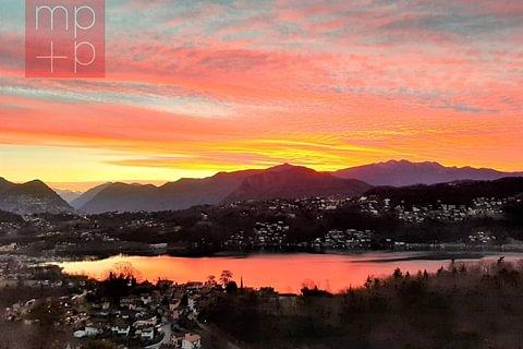 Vernate Attico 4,5 locali con vista lago in vendita