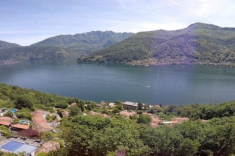 Vico Morcote Terreno con vista lago e licenza per villa