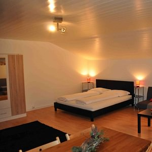 Gemütliche Zimmer mit Berg- oder Seesicht