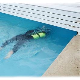 Colmatage d'une fuite d'eau dans une piscine
