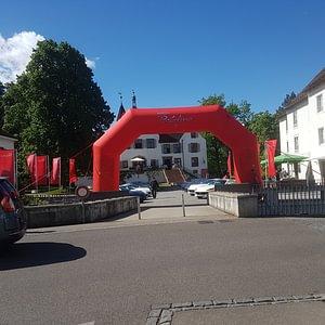 Ferrari auf dem Schlossplatz