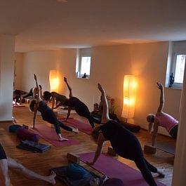 Candlelight yoga, Herrliberg