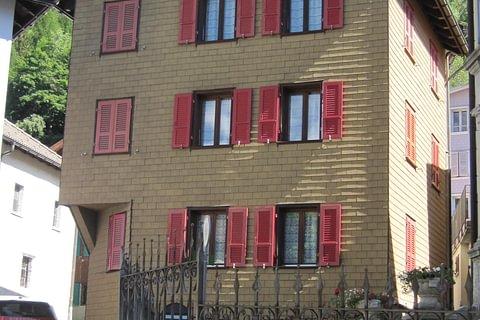 casa con 3 appartamenti a Osco Leventina