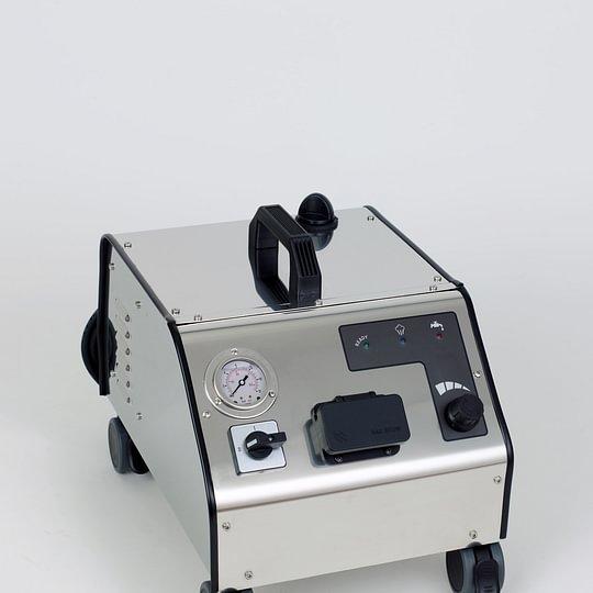 Phönix 10 Bar Druck: 5 mal leistungsstärker als Dampfreiniger, höchster kaufbarer Druck für 230 Volt Steckdose