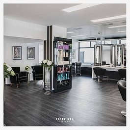 Cotril Salons by Luisa