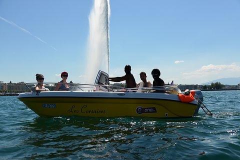 1 heure de bateau moteur essence Perla