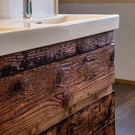 Lavabo in Holz