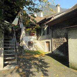 Maison villageoise à rénover à Yvorne
