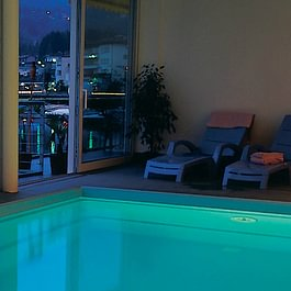 Tresa Bay Hotel - Wellness pool by night