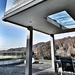 Überdachung: Sitzplatz mit begehbarer Glasbedachung.