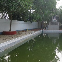 Swimming Pool im Sapta Yoga Ashram, Indien