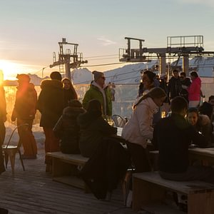 Après-ski tous les samedis dès 15h jusqu'à 19h!