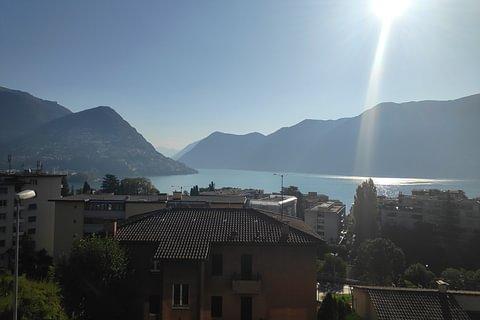 Lugano Appartamento 4,5 locali con vista lago e città in vendita