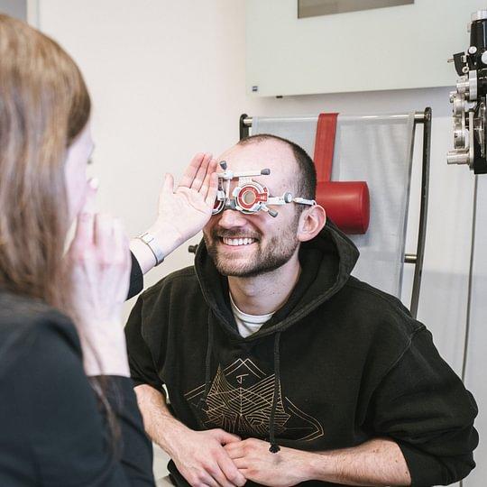 Wir dind mit allen Techniken zur Prüfung und Optimierung des Sehvermögens vertraut