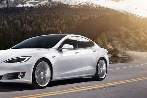 Réparateur Tesla