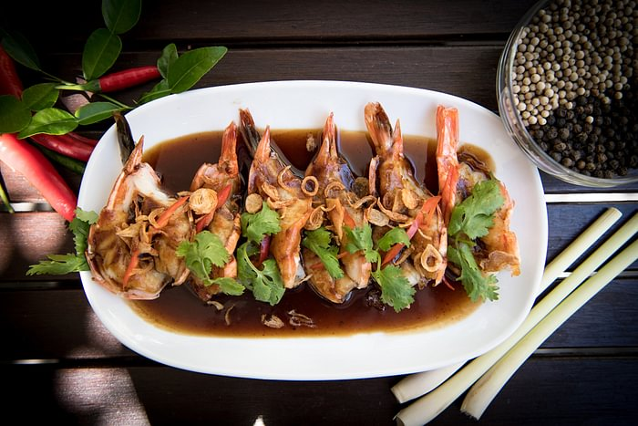 Goong makam กุ้งมะขาม / Gebratene Tiger-Crevetten an Tamarindensauce / Stir-Fried tiger prawns with tamarind Sauce