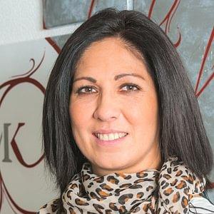 Frau Rossana Verzino, Sachbearbeiterin im Rechnungswesen