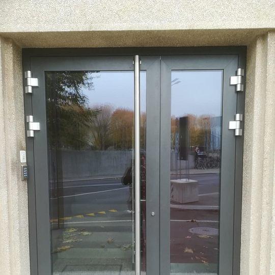 Portes d'entrée vitrée