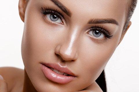 Wimpern-welle / Lifting:  Mascara Look!  Schwarz gefärbte und gepflegte Wimpern.