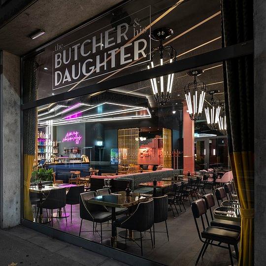 Restaurant Butcher & Daughter; leichte Aussenbegrünung