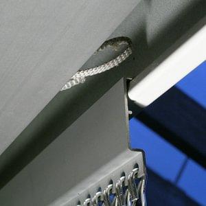 krismar Fliegenvorhang - Montage 6 eingehängt in Storenkasten