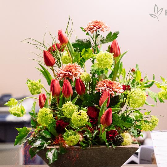 Wochenaufträge für Büro und Hotel. Testen Sie uns einen Monat lang und entscheiden Sie dann ob wir der geeignete Blumenpartner sind.