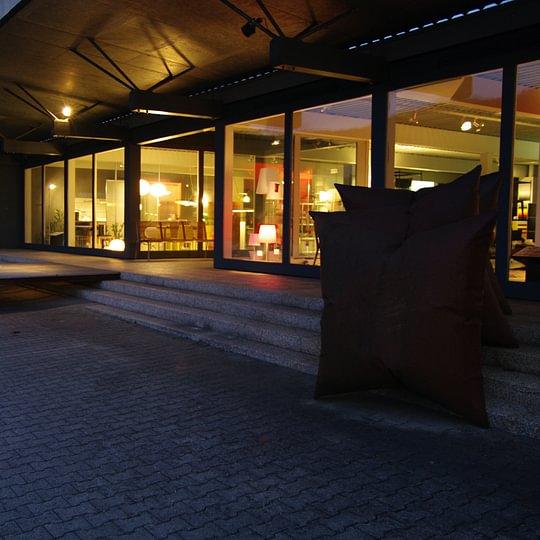 Laden und Showroom auf 2 Etagen und eine integrierte Schreinerei