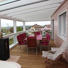 Abri de terrasse bois-métal, plancher de terrasse en bois