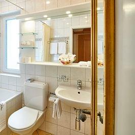 Badezimmer Doppelzimmer, Central Hotel Wolter Grindelwald