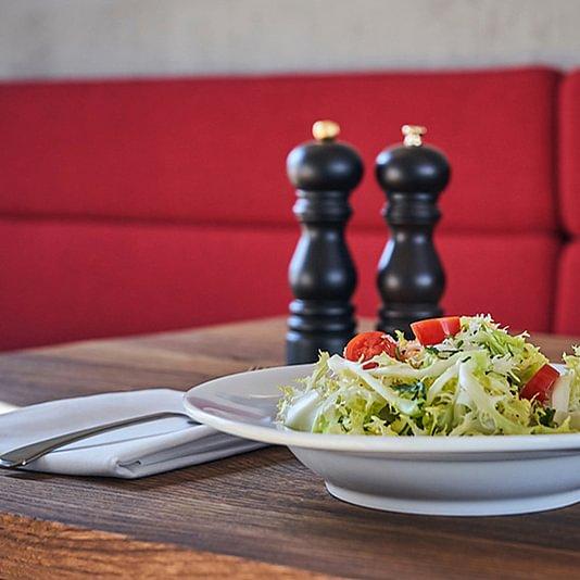 Anna Restaurant-Cafe-Bar-Saal
