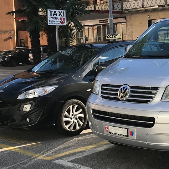 Servizio Taxi e Minibus 24h 7/7 Alla FFS BIASCA
