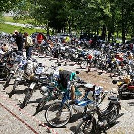 240 motorini nel parcheggio del MATAFONTANA