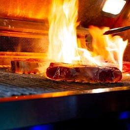 Grilliert mit 850 Grad für eine perfekt schöne Kruste