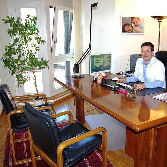 Dr méd. Girardin David