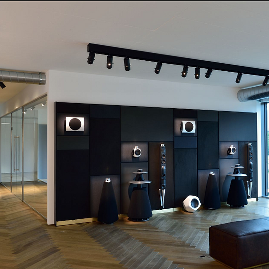 Bang & Olufsen Riviera - BeoLab 5, BeoLab 20, BeoLab 17 et BeoLab 19