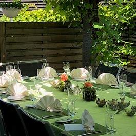 Ihr festlicher Anlass im Sommer auch auf der Terrasse möglich